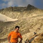IMG_2810-el sol da tonos anaranjados a la roca