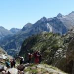 07 iniciando el descenso. Pico de Alba fondo a la derecha (Copiar)