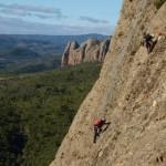 J.M. Anglada escalando en Peña Ruaba