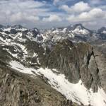 Pirineo en primavera con el Balaitus al fondo 2