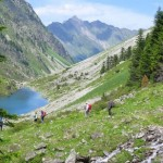idílico lago al descenso
